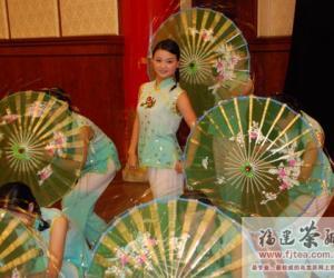 厦门推介会上的茶叶舞蹈