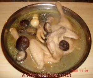 炖鸡做法:乌龙茶炖鸡