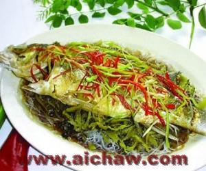 红茶蒸鲈鱼|蒸鲈鱼|鲈鱼的做法