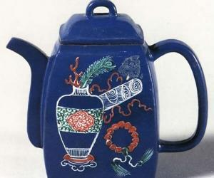 蓝釉博古方壶图片欣赏