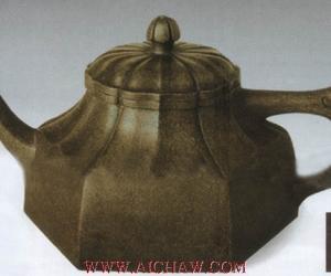明代紫砂作品:水仙花瓣方壶