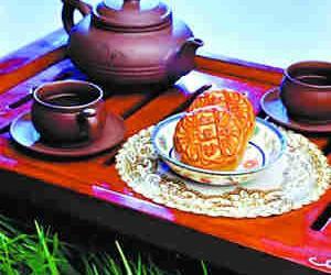 """今年月饼""""瘦身""""附加茶叶"""