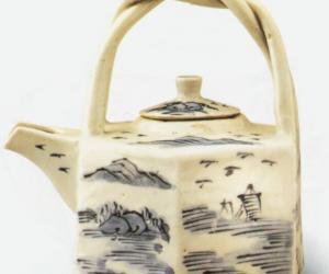 清代青花六角提梁瓷茶壶