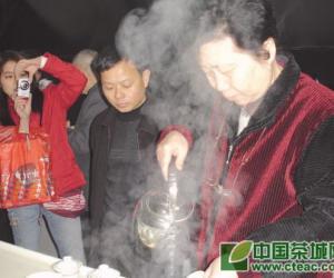 评茶人生――记国家高级评茶师陈郁榕(图)