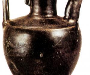 宋代耀州窑黑釉瓷汤瓶