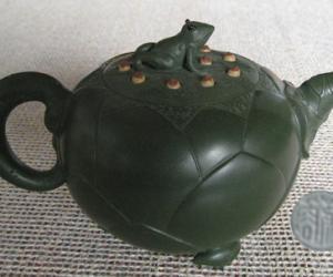 蒋蓉-青蛙荷叶壶