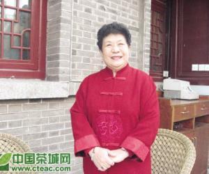 曲艺家马增蕙:茶到好处杯难释(图)