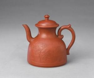 紫砂绘纹茶壶|清乾隆宜兴窑紫砂泥绘人物纹诗句茶壶