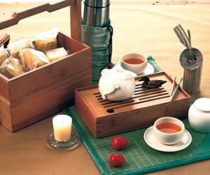传统茶艺与另类茶饮品交融