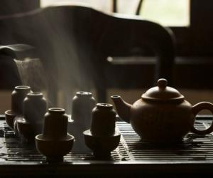 能否用茶水服药?
