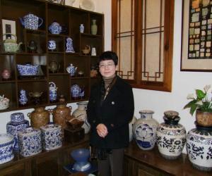 云南的茶香女人 -----陈露云