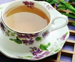 """隔夜废茶并不""""废"""" 隔夜茶的妙用"""