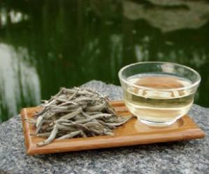白茶保持年轻容颜的原理是什么