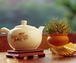 进入夏季如何饮普洱茶,该怎么藏茶