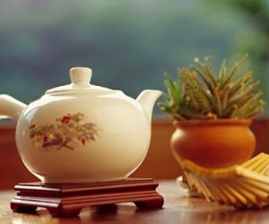 研究�Q喝茶有助降低患子�m�[瘤�L�U