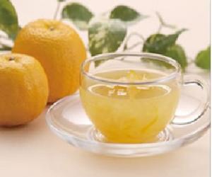 抵御电脑辐射 每天喝两杯绿茶一个橘子