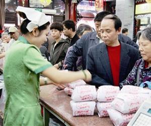 茶市提早打响品销售战 中档礼盒成中秋茶叶市场主流