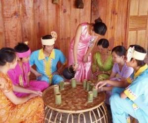 布朗族的四种饮茶习俗