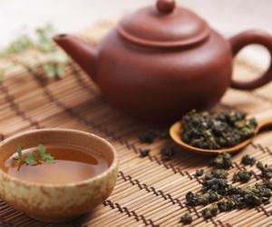 茶诗里的茶文化 一曲离骚一碗茶
