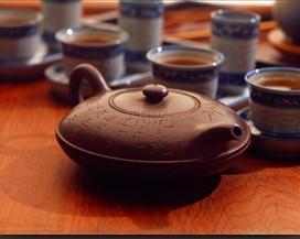 常饮杜仲茶可减肥防衰老