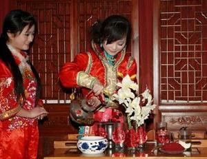 """古俗""""新娘茶"""":代代相袭 流传不息"""