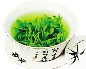 秋季老人瘙痒毛病 可用绿茶擦拭止痒