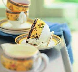 白领女性情绪失眠宜喝点玫瑰花茶