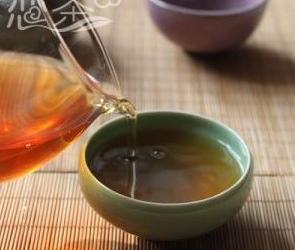 吃饭前半个小时不宜喝浓茶