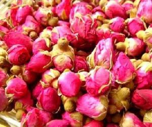 春季最美茶�:玫瑰花茶