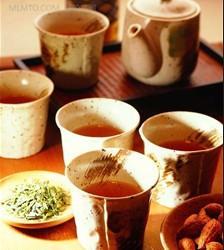 过量饮用甘草茶可导致中毒