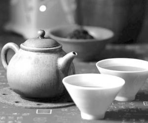 """依据年龄体质来""""找茶"""""""