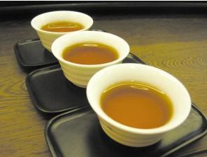 饮茶养生忌喝过量
