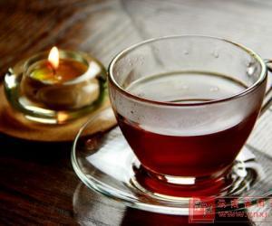 """喝茶要�m�� 小心""""醉茶"""""""